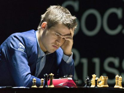 Carlsen, durante la partida decisiva
