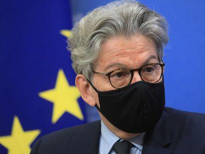 El comisario de Mercado Interior, Thierry Breton, este lunes en una rueda de prensa.