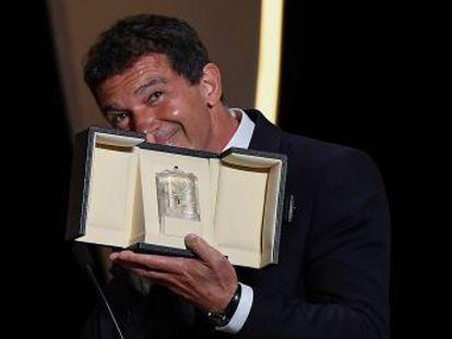 El malagueño obtiene el sexto galardón para intérpretes españoles en la sección oficial del certamen