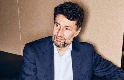 Ignacio Longarte (Madrid, 1968). Debutó en la ACB con el Collado Villalba, pero se retiró muy pronto. Acabó sus estudios de Derecho y trabajó durante más de 25 años en empresas como PwC, KPMG, Deloitte y HP. Es profesor en el Programa de Inteligencia Artificial para Directivos de IE.