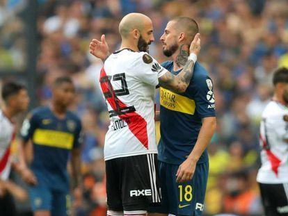 Piniola (i) y Benedetto, tras el partido.