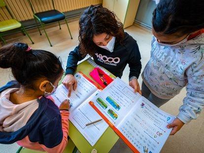 Una clase de primaria en un colegio público de Navarra, en marzo.