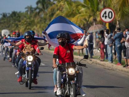 Protesta por el embargo de EE UU a Cuba, este domingo en La Habana.