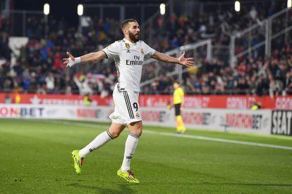 Benzema celebra su segundo gol ante el Girona.