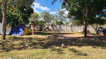 Área donde viven personas sin hogar en el ala norte, en Brasilia.  Entre ellos, el albañil Josimar Moraes.
