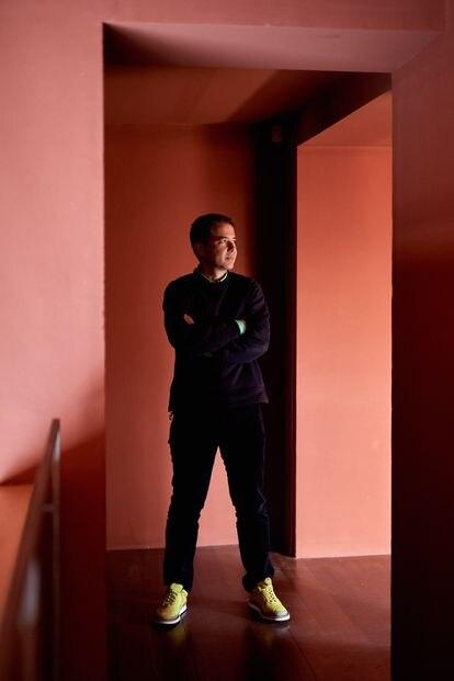 Miguel Fluxa, director general de Camper desde 2012, en las oficinas de la firma en Son Fortesa, uno de los dos centros que posee en Mallorca.