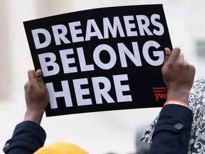 Manifestación en favor de los 'dreamers' frente al Tribunal Supremo de Estados Unidos, en 2019.