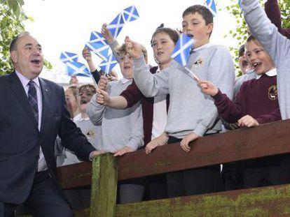 Alex Salmond, tras votar en el referéndum.