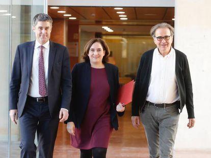 Colau y Subirats, a la derecha, el día que fue nombrado comisionado de Cultura.