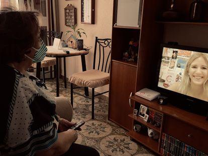 Las ciudades buscan solución a la soledad no deseada que siente el 19% de los españoles