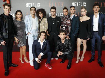 Parte del reparto de 'Élite', durante el estreno de la serie el pasado octubre.