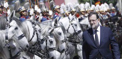 Mariano Rajoy, este lunes, en el cuartel el Rey de la Guardia Real.