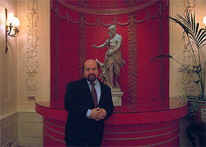 El economista peruano Hernando de Soto, en el hotel Ritz de Madrid.