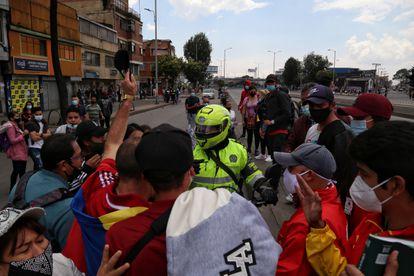 Un grupo de motociclistas durante uan manifestación en Bogotá, el pasado 16 de abril.