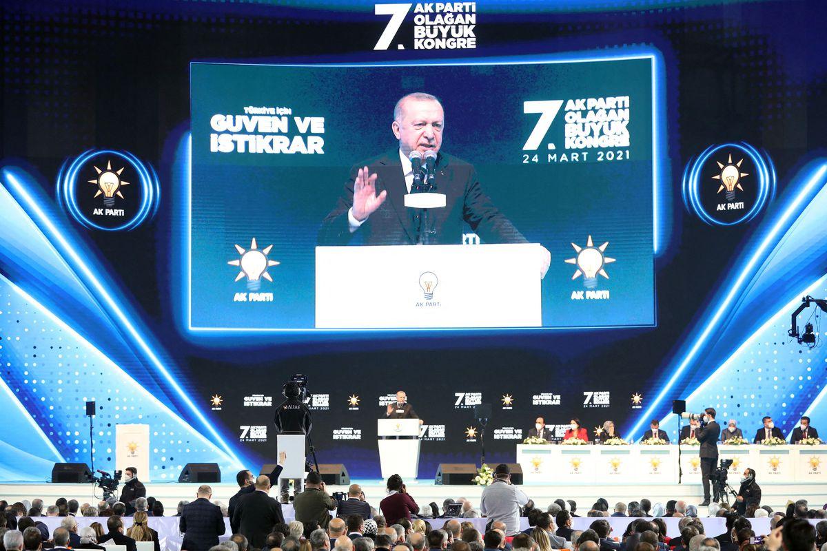 Erdogan aumenta su distancia  con Europa