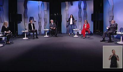 """Zapatero pide a gobiernos y empresas incluir políticas de igualdad como """"lo más transformador""""."""