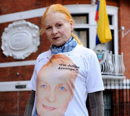 Vivienne Westwood, con su camiseta de Assange.