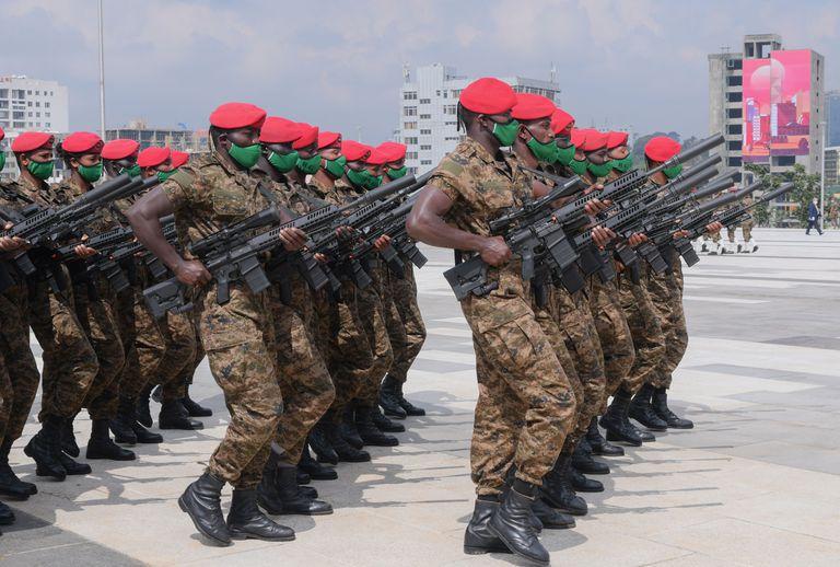 El Ejército etíope desfila en Addis Abeba el 10 de septiembre de 2020.
