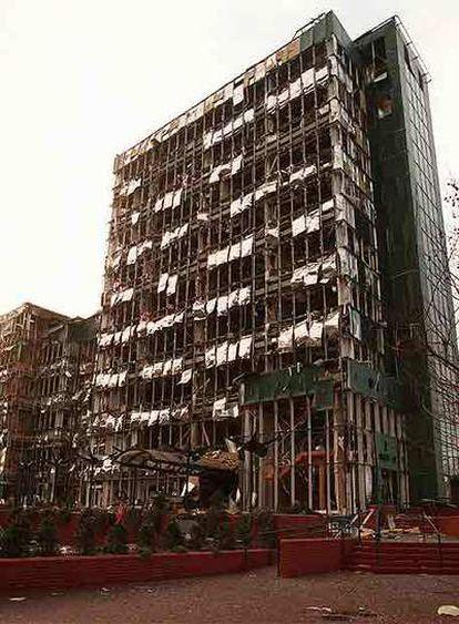 Imagen del atentado del IRA en el barrio londinense de Canary Warf, que causó dos muertos el 10 de febrero de 1996.