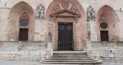 Aspecto actual de las puertas de la Catedral de Burgos.