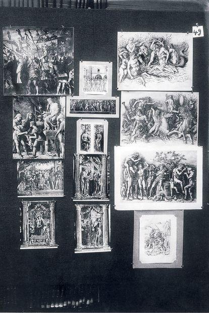 Panel número 49 (&#39;Sentimiento contenido del triunfo. Mantegna&#39;) del <i>Atlas Mnemosyne</i> (Akal), de Aby Warburg.