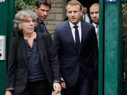 Macron junto a la hija de Maurice Audin, matemático asesinado por militares franceses en Argelia en 1957