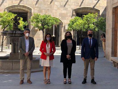El secretario de Administracciones Locales David Rodríguez, la consellera Laura Vilagrà, la alcaldesa Ada Colau y el primer teniente de alcalde Jaume Collboni