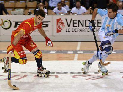Marc Gual domina la bola en la final del mundial frente a Argentina.