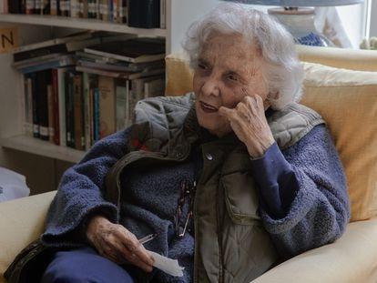 Elena Poniatowska, en su casa en Chimalistac durante la entrevista.