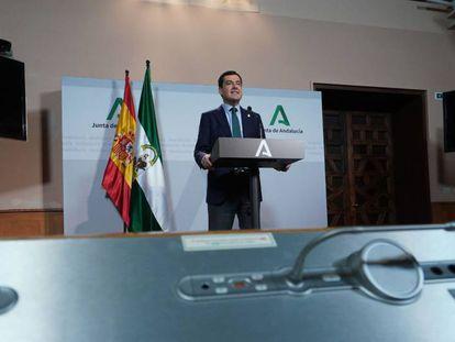 El presidente de Andalucía, Juan Manuel Moreno, en una comparecencia pública.