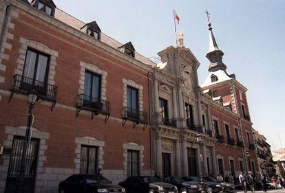 Fachada del Palacio de Santa Cruz, sede del Ministerio de Asuntos Exteriores y Cooperación.