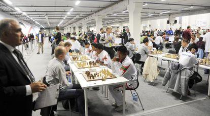 Partidas durante la Olimpiada de ajedrez celebrada en Tromso (Noruega).
