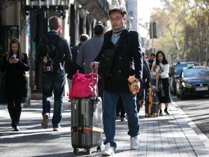 Un turista oriental, en Barcelona.