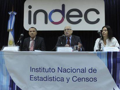 El director del INDEC, Jorge Todesca (centro), en una foto de archivo.