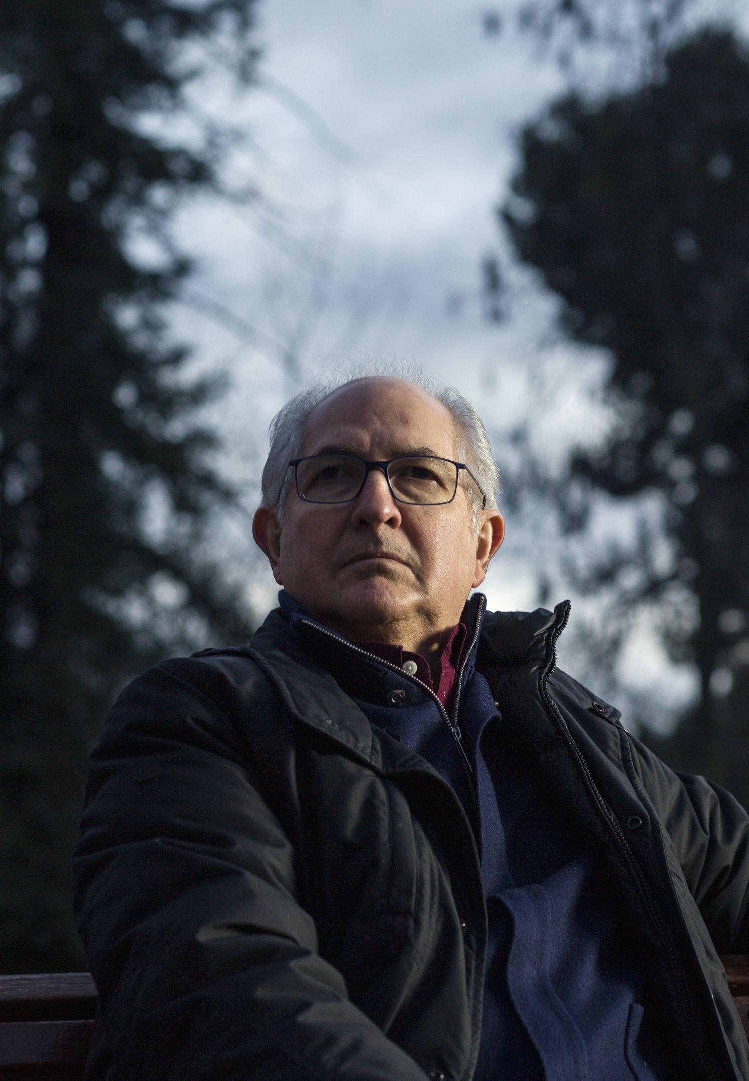 En el Retiro de Madrid, Antonio Ledezma, exalcalde de Caracas. Tuvo que huir de Venezuela tras tres años preso.