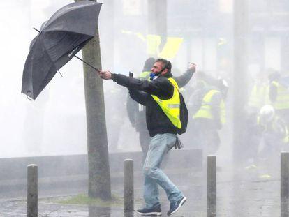 Manifestación de los chalecos amarillos en Burdeos (Francia) el 15 de diciembre