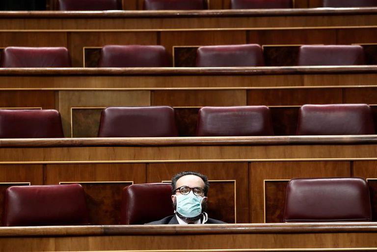 El diputado de Vox, José María Sánchez García, durante el pleno del pasado miércoles en el Congreso sobre el estado de alarma.