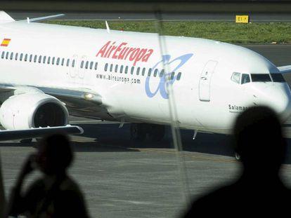 Un avión de Air Europa en el aeropuerto de Tenerife Norte.