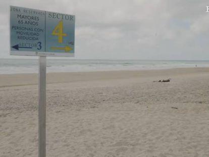 Una playa reserva su aforo para mayores de 65 años.