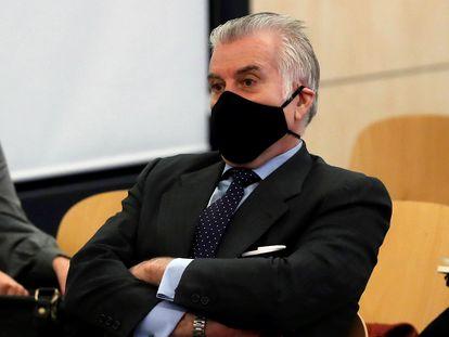 El extesorero del PP Luis Bárcenas durante la primera sesión del juicio de los papeles de Bárcenas, el pasado 8 de febrero.
