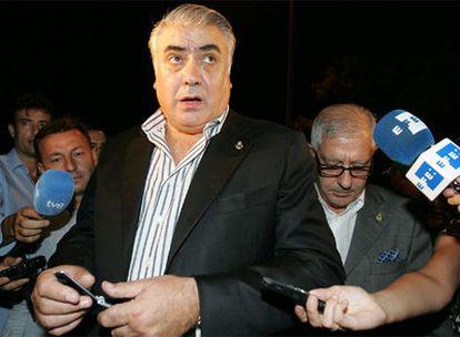 Lorenzo Sanz, tras declarar en la comisaría sobre un presunto caso de estafa
