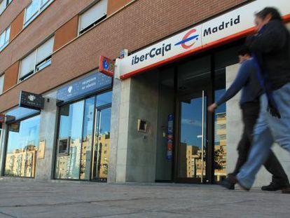 Sucursales de bancos y cajas de ahorro en Madrid.