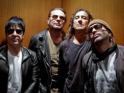 De izquierda a derecha, Alex González, Fher Olvera, Juan Calleros y Sergio Vallín, componentes de Maná.