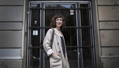 Emma ha tenido que dejar el piso de Sant Antoni donde vivia por la subida del precio del alquiler.