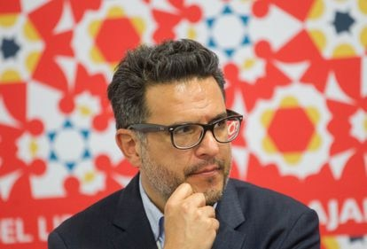 Julio Trujillo en la presentación de Mapa de Idiomas, el 28 de noviembre de 2016. en la FIL, Guadalajara.