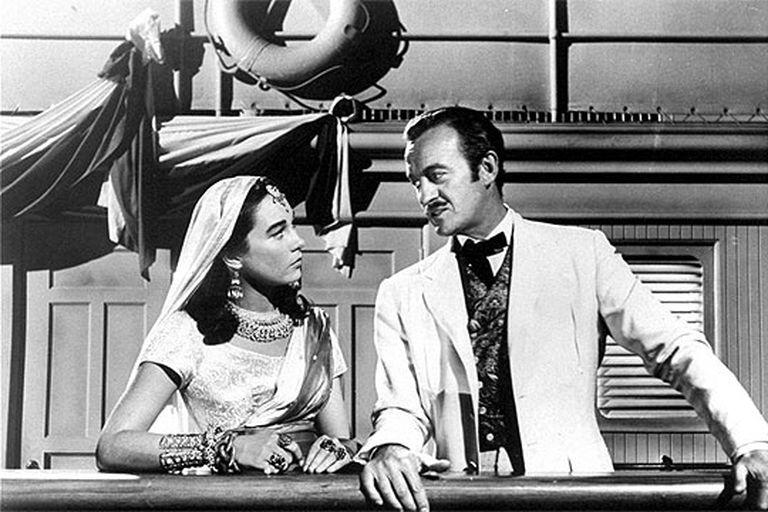 Shirley MacLaine y David Niven, en un fotograma de 'La vuelta al mundo en 80 días' (1955), Oscar a la Mejor Película.