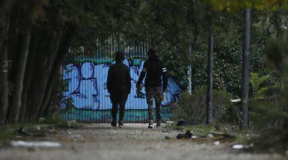 Un grupo de menores vive desde hace semanas en un parque de Hortaleza.