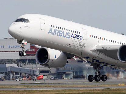 Un Airbus A350 despega de Toulouse.