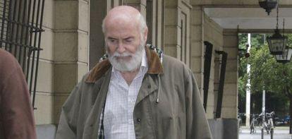 El funcionario Teodoro Montes, a la salida de los juzgados este miércoles.