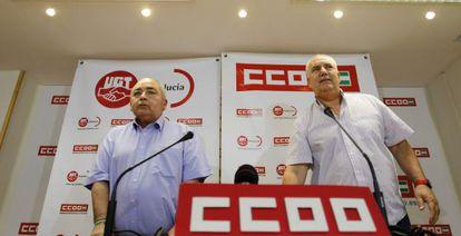 Manuel Pastrana y Francisco Carbonero, ayer en Sevilla.